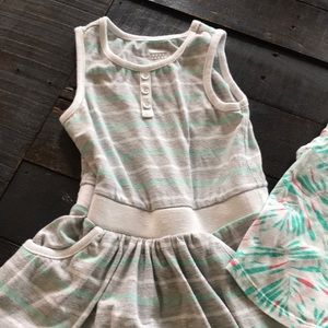 Old Navy Dresses - Old navy 2T dress and tank top